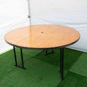 Round table 1.5m diameter